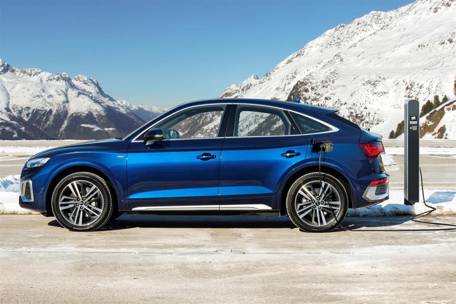 Audi Q5 Sportback TFSI e ricarica