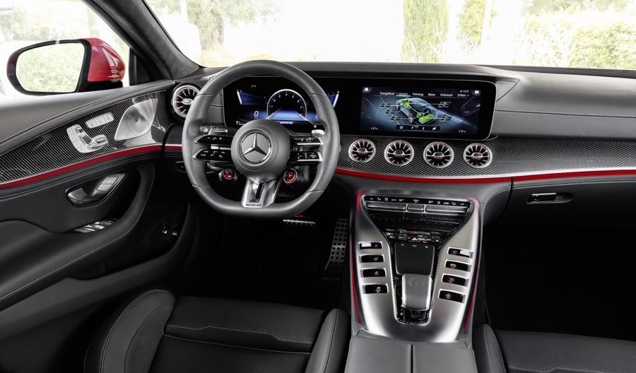 MBUX su Mercedes-AMG GT 63 S